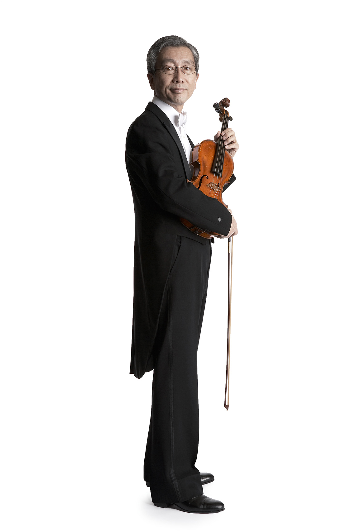 Minnesota_Orchestra_violin_standing