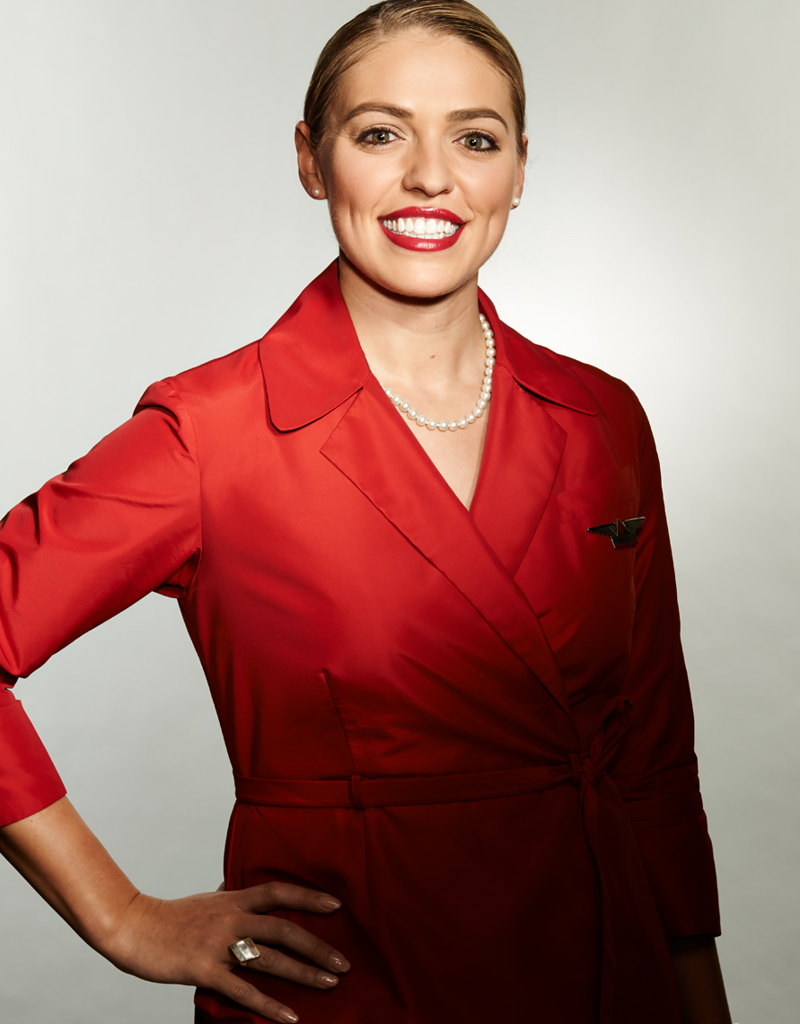 Delta_Airlines_Flight Attendent_White Woman