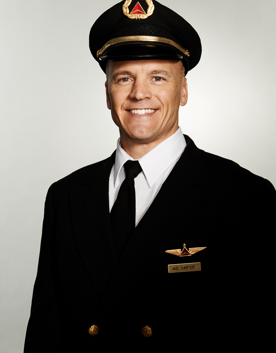 Delta_Airlines_Pilot_Captain_Caucasian_Man